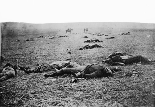 Bodies of dead soldiers, Battle of Gettysburg, 1863.